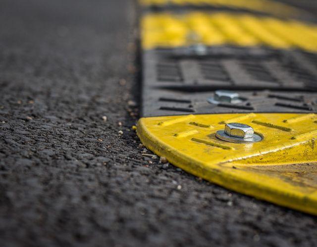 Dopravní značení pro osobní účely: Kdy a jak ho lze využít?