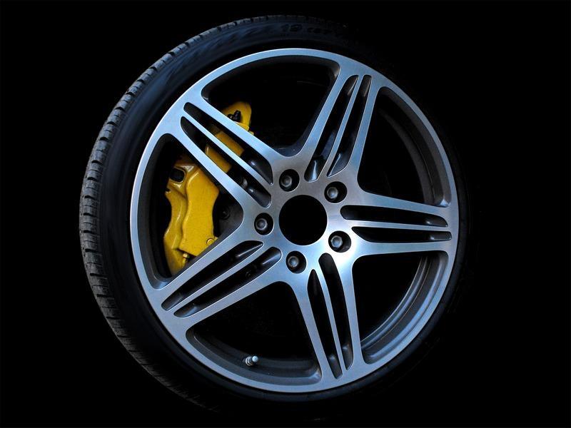 Co je to dezén pneumatiky?